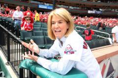 Greta Van Susteren says she isn't leaving Fox News