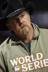 Trace Adkins enters rehab after cruise ship scuffle