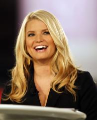 Jessica Simpson flaunts her figure in a Weight Watchers ad preview