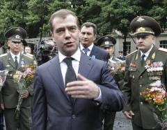 Medvedev defends actions in Georgia war