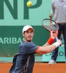 Murray ousted in London tournament