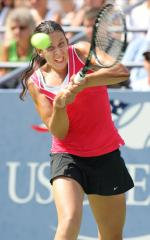 Bartoli through to Eastbourne semifinals