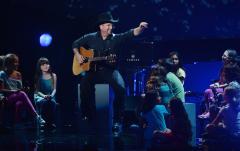Garth Brooks to headline CBS concert special