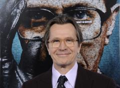 'Tinker' star Oldman calls 'quiet thriller' 'refreshing'