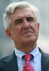 Powerful N.Y. legislator gives up seat