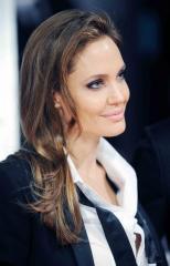 Angelina Jolie brings Louis Zamperini's unbelievable true story to life in 'Unbroken'