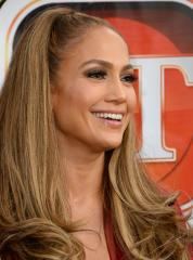 Jennifer Lopez declares she doesn't 'whore around'