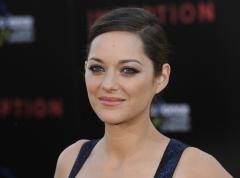 Marion Cotillard gives birth to a son
