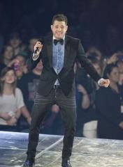 Michael Buble croons at N.Y. subway stop