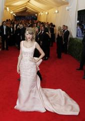 Taylor Swift on boys who are on a diet: 'I can't hang out with you'