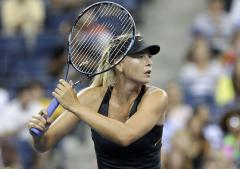Sharapova keeps pace with Williams in tennis rankings