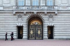 Buckingham Palace intruder gets 16 months in jail