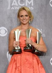 Miranda Lambert and Carrie Underwood to sing duet at the Billboard Awards