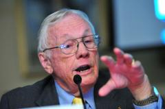 Neil Armstrong to be buried at sea