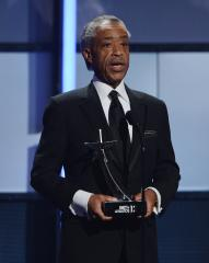 Al Sharpton to call for investigation into choking death of man by NYPD