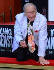 Mel Brooks leaves a special mark on Hollywood Walk of Fame