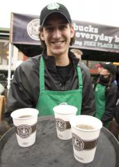 Starbucks pushing for 'fiscal cliff' deal