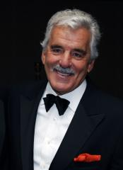 Wake held for late actor Dennis Farina in Chicago