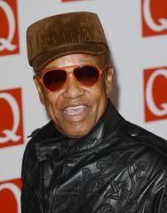 Singer Bobby Womack says he has early signs of Alzheimer's