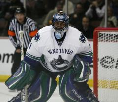 Luongo set to rejoin Canucks