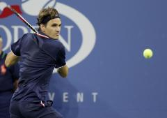Federer within one match win of Tour Finals