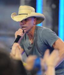 Kenny Chesney's 'Life on a Rock' tops U.S. album chart