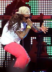 Lil Wayne on Twitter after seizure report