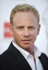 Tara Reid, Ian Ziering to return for 'Sharknado 2'