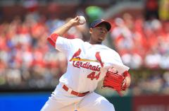 Cardinals beat the Giants in rubber match