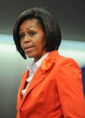 Obama ladies attend 'Poppins' performance