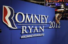 Romney aides push controversial welfare ad
