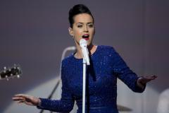 Mom sells daughter's Katy Perry tickets on Facebook to teach her a lesson