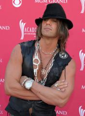 Criss Angel and Holly Madison break up