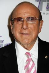 Music mogul Clive Davis confirms he is bisexual