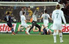 WORLD CUP: U.S. 2, Slovenia 2 (tie)