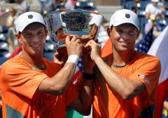 No. 1s Djokovic, Bryan brothers highlight Serbia-U.S. Davis Cup series