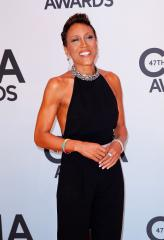 Amber Lagin, Robin Roberts to ring in New Year on island getaway