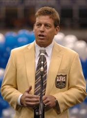 Aikman on the college Hall of Fame board