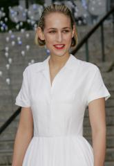Leelee Sobieski expecting second baby