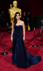 Sandra Bullock reportedly confronted stalker from outside her door