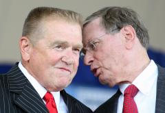 MLB owners extend Bud Selig's contract