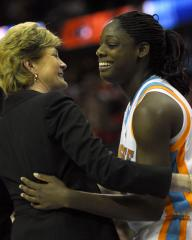 Pat Summitt gets win 1,000