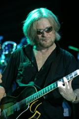 Darryl Hall to release new solo CD