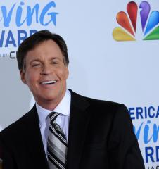 Bob Costas takes day off from Olympic coverage after eye infection spreads