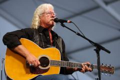 Arlo Guthrie's wife dead at 68