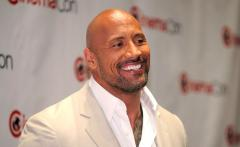 Dwayne Johnson to play Green Lantern in Batman vs Superman?