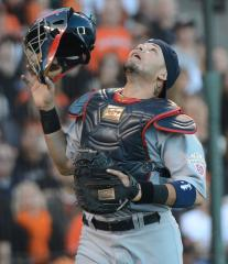 Molina, Teixeira lead Gold Glove honorees