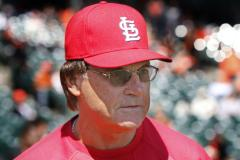 La Russa fined for comments about umpire