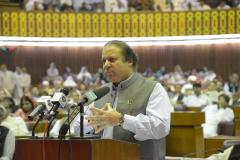Nawaz Sharif sworn in as Pakistan's prime minister for the third time