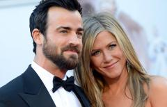 Jennifer Aniston celebrates 45th without fiancé